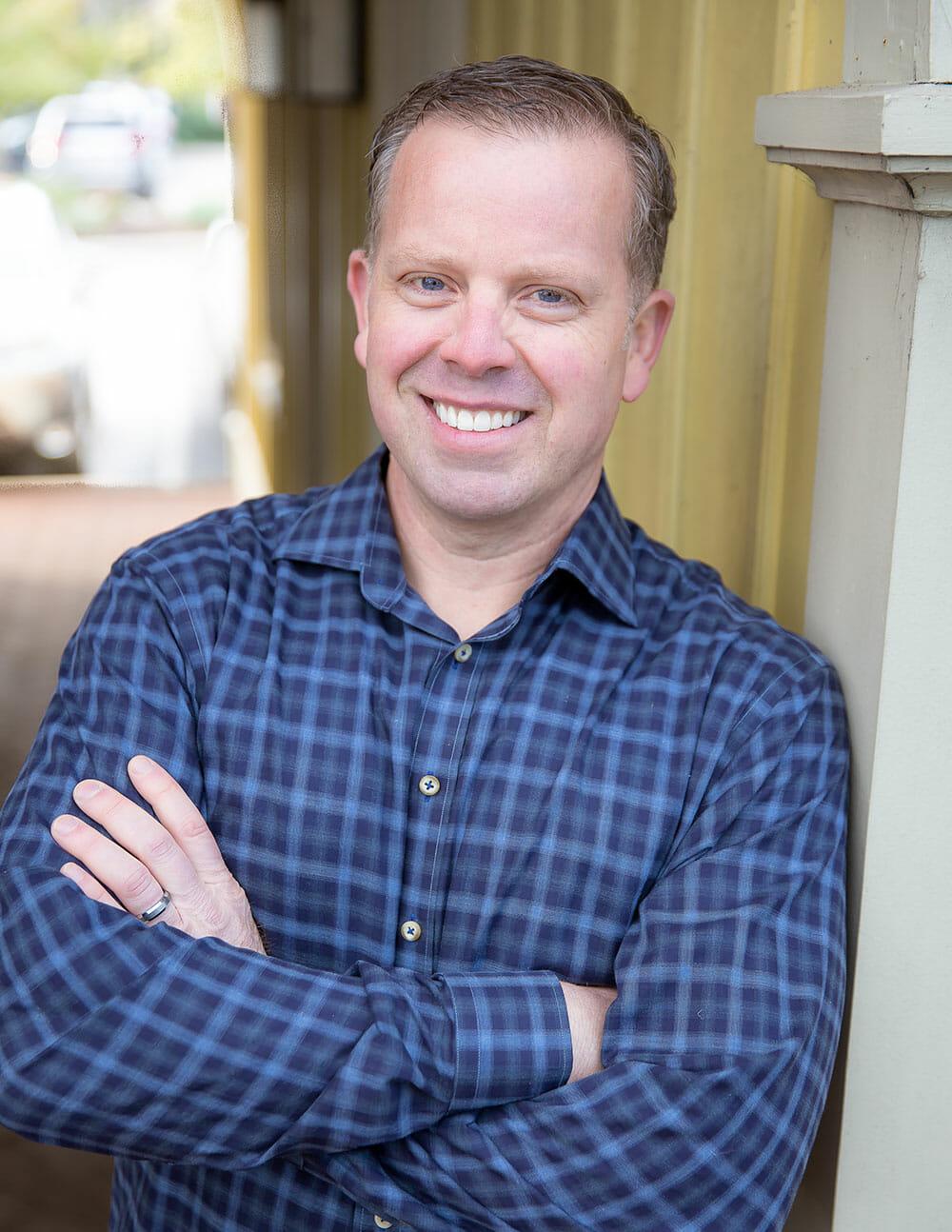 Dr Tim Edwards